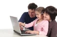 Orangtua merupakan sahabat pertama bagi anak, untuk mengenal komputer dan internet